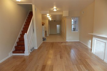 2535 W Montgomery Ave 4 Beds Apartment for Rent Photo Gallery 1