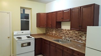 2728 W Glenwood Ave 5 Beds Apartment for Rent Photo Gallery 1