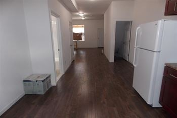 4158 Poplar St 5 Beds Apartment for Rent Photo Gallery 1