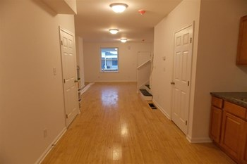 5021 Parrish St 3 Beds Apartment for Rent Photo Gallery 1