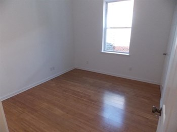 5439 Chancellor St 3 Beds Apartment for Rent Photo Gallery 1
