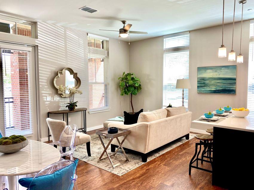 Northwest Gainesville FL apartment living room