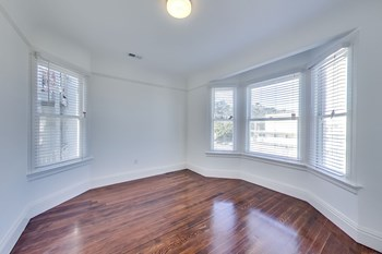 322 Stanyan Street, 2288 Fulton Street 3 Beds Apartment for Rent Photo Gallery 1