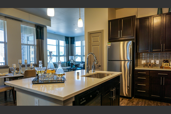 Alta pinehurst apartments 3950 s wadsworth blvd denver - 3 bedroom apartments denver metro area ...