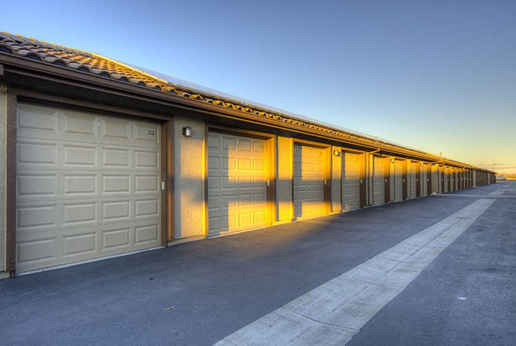 Garages l Luxe Ripon Apartments for rent in Ripon CA