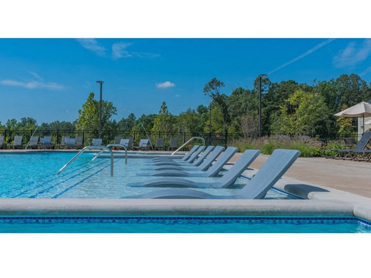 Pool Side Relaxing Area at Abberly Waterstone Apartment Homes, Virginia, 22554