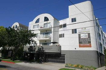 1800 Grismer Avenue 1 Bed Apartment for Rent Photo Gallery 1