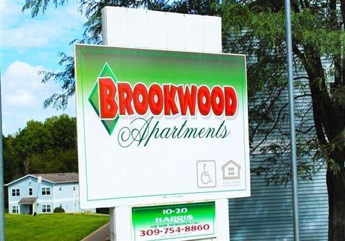 Brookwood Apartments Community Thumbnail 1