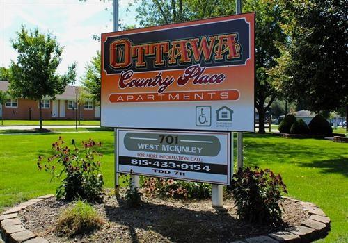Country Place-Ottawa Community Thumbnail 1
