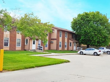 2305 Railsplitter Ave 1-3 Beds Apartment for Rent Photo Gallery 1