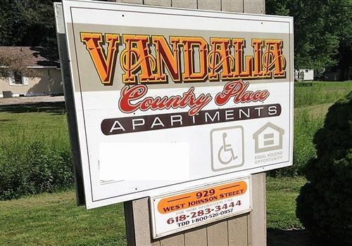 Country Place-Vandalia Community Thumbnail 1