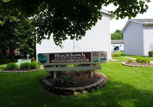 Blackhawk Apartments Community Thumbnail 1