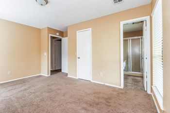 100 N Eastgate Dr 3 Beds House for Rent Photo Gallery 1