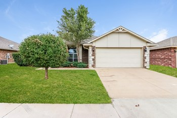 11605 SW 10th St 3 Beds House for Rent Photo Gallery 1