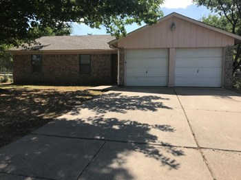 544 Chambers Creek Dr 3 Beds House for Rent Photo Gallery 1