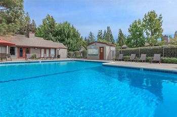7236 Greenhaven Dr 1-3 Beds Apartment for Rent Photo Gallery 1