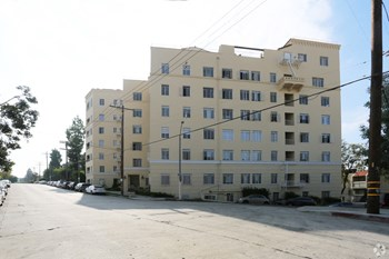 2430 Ocean View Ave Studio Apartment for Rent Photo Gallery 1