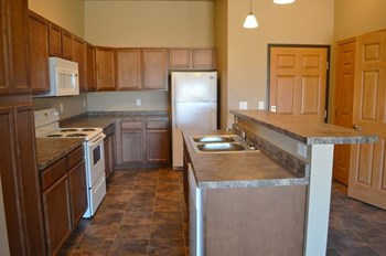 901 5Th Street SE 1-3 Beds Apartment for Rent Photo Gallery 1