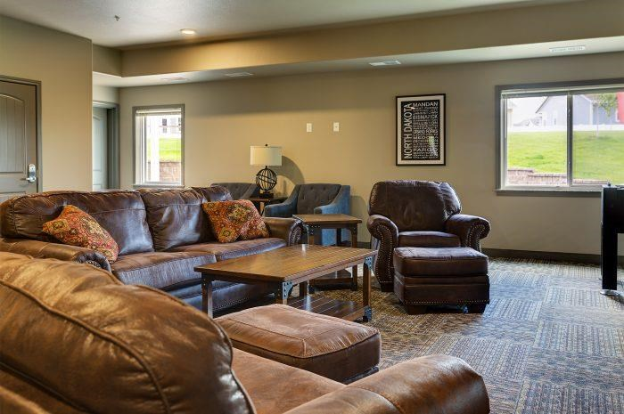 Community Room in Bluffs of Williston Apartments ND