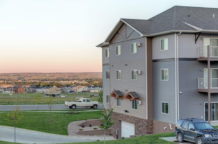 Exterior View of Bluffs of Williston Apartments ND