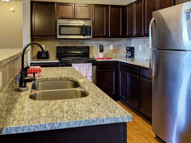Apartment Kitchen at Bluffs of Williston Apartments ND