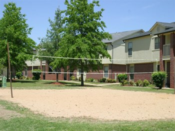 324 Village Lake Drive 1-2 Beds Apartment for Rent Photo Gallery 1