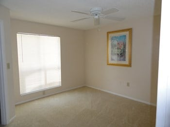 115 112Th Ave NE 1-2 Beds Apartment for Rent Photo Gallery 1