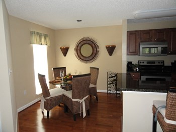 115 112th Ave NE 1-3 Beds Apartment for Rent Photo Gallery 1