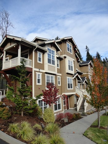 2000 NW Talus Drive Studio-4 Beds Townhouse for Rent Photo Gallery 1