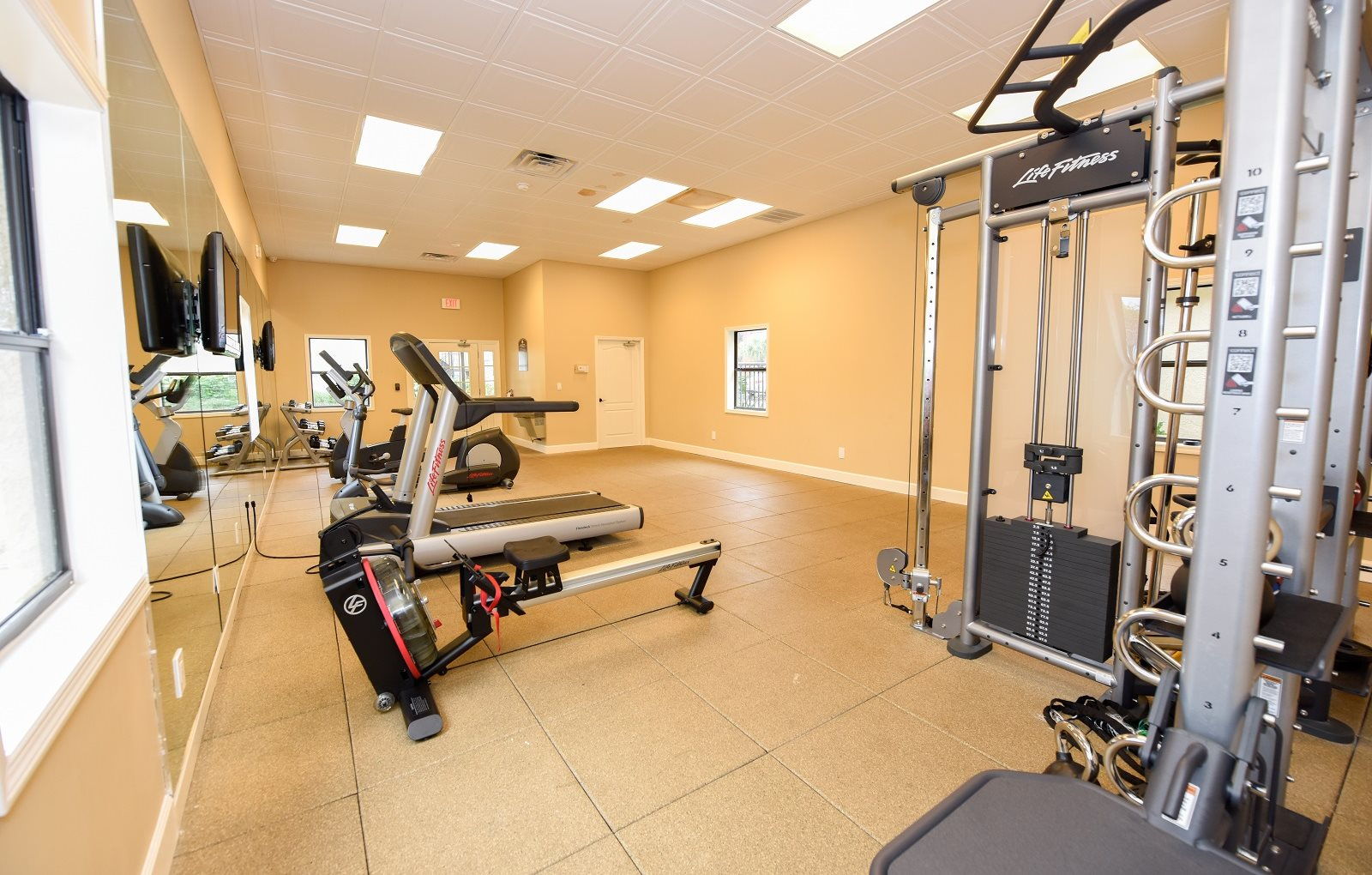 Workout Facility at Green Oaks Apartments, Florida, 33616