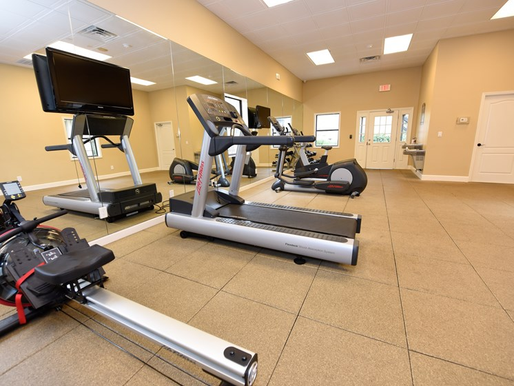 Workout Facility at Green Oaks Apartments, Florida