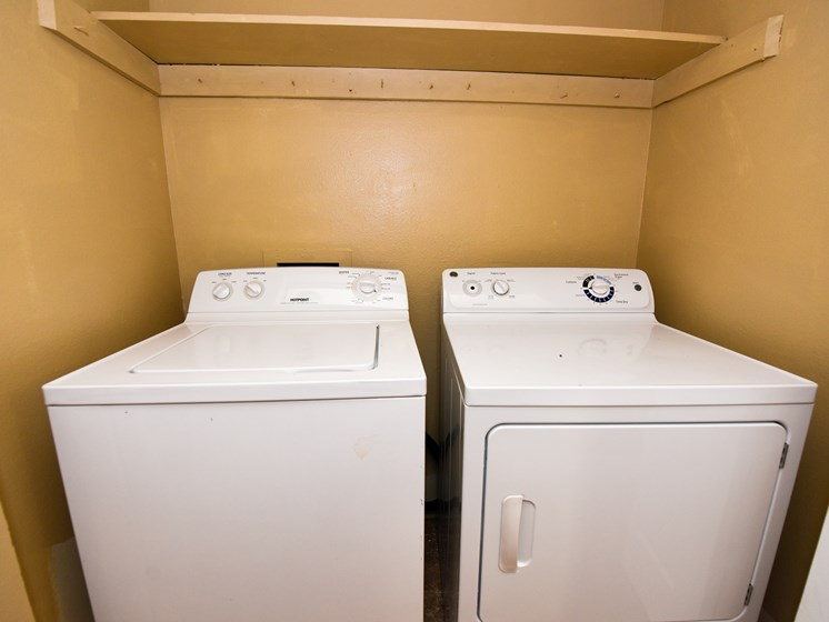 Washer and Dryer in Unit Green Oaks Tampa Florida
