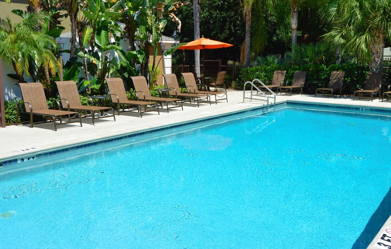 Pool Area at Green Oaks Apartments, Tampa, FL