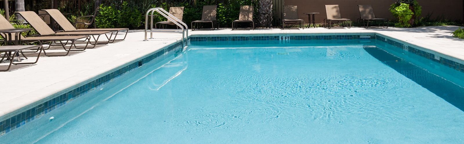 Pool Area at Green Oaks Apartments, Tampa, 33616