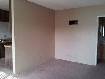 12659 Laurel Street 1-2 Beds Apartment for Rent Photo Gallery 1