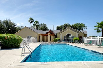 7451 Gatehouse Circle 2-3 Beds Apartment for Rent Photo Gallery 1