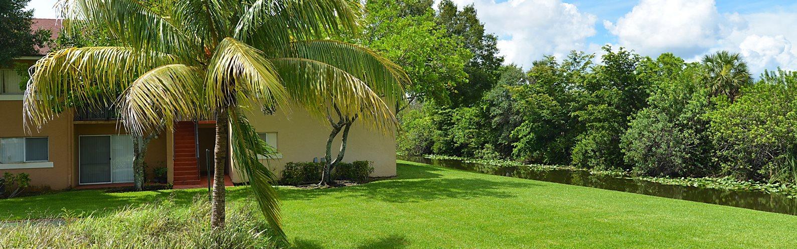 Exterior Property Lush Landscape West Palm Beach