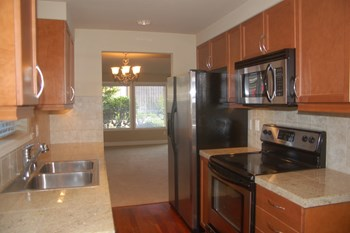 5702 N. 33Rd Street 2 Beds Apartment for Rent Photo Gallery 1
