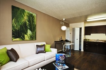 14417 Hellenic Dr 1-2 Beds Apartment for Rent Photo Gallery 1