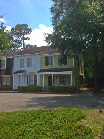 2228 Yaupon Drive 2 Beds House for Rent Photo Gallery 1