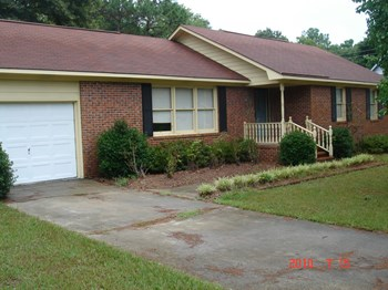 318 Englewood Drive 4 Beds House for Rent Photo Gallery 1