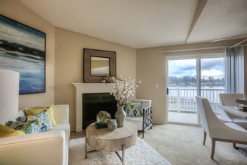2020 Lake Heights Dr 1-3 Beds Apartment for Rent Photo Gallery 1