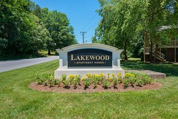 50 Lakewood Drive 3 Beds Apartment for Rent Photo Gallery 1