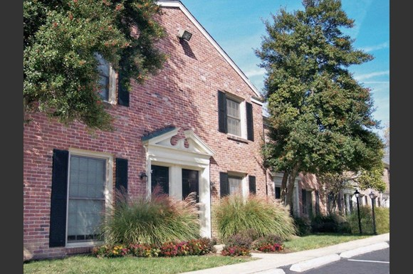 Georgetown of St. Louis Apartments, 7880 Chatwell Drive, St. Louis ...