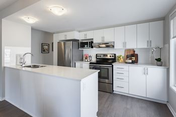 1811-1847 Frobisher Lane 2-3 Beds Townhouse for Rent Photo Gallery 1