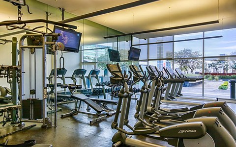 Latitud GYM at Latitud, Lázaro Cárdenas 2225 Valle Oriente, NLE