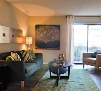 7301 East Brainerd Road 1-3 Beds Apartment for Rent Photo Gallery 1