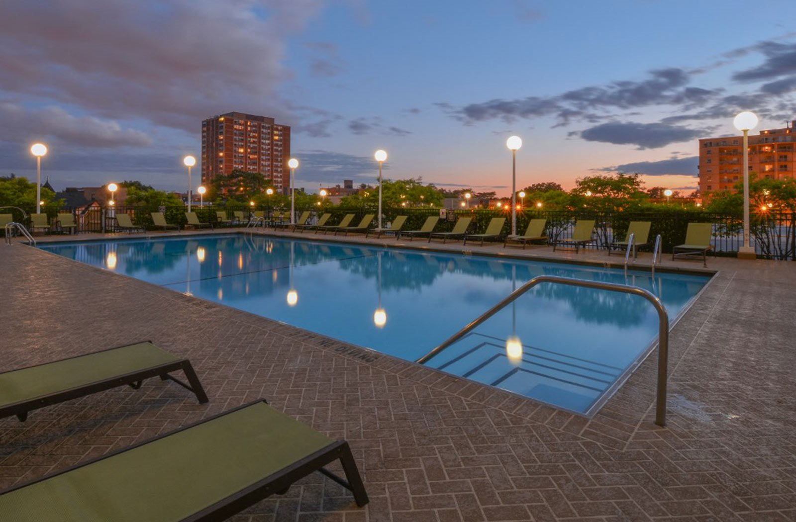 rooftop pool | The Montrose Apartments in Chicago, IL