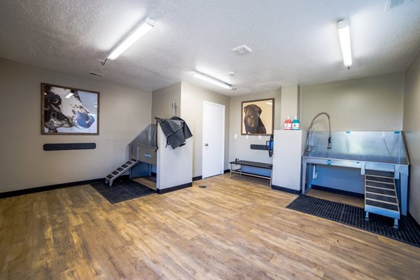 Dog Wash Stations in Noblesville- Northlake Village Apartments