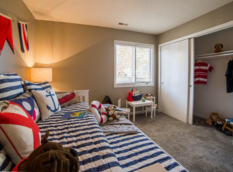 Guest Bedroom in 2B-2BR Apartment at Northlake Village